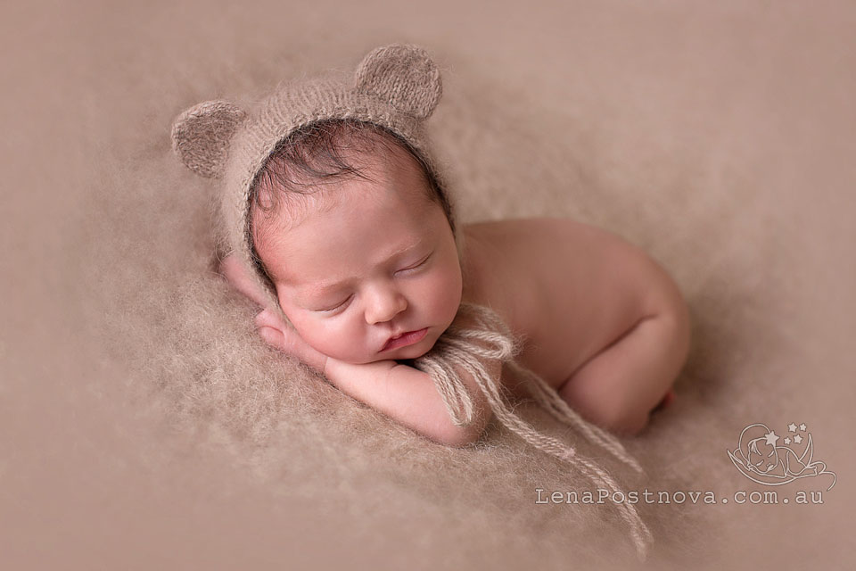 newborn photographers Sydney Northern Beaches - baby two weeks old