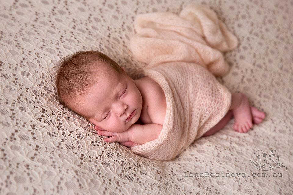 Best baby photographer Sydney - Lena Postnova Newborn Photography