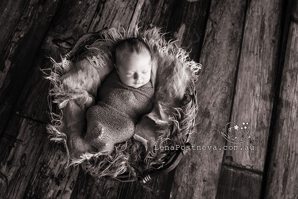 Northern Beaches Newborn Photography Newborn_Photography_Sydney_Newborn_Photographer_Lena_Postnova_Newborn_Baby_Boy_Zack_13_days_rustic newborn look