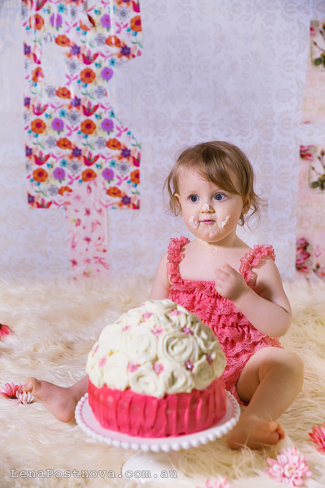 Cake Smash Photography Session by Sydney Newborn  Photographer Lena Postnova - First Birthday photos 011